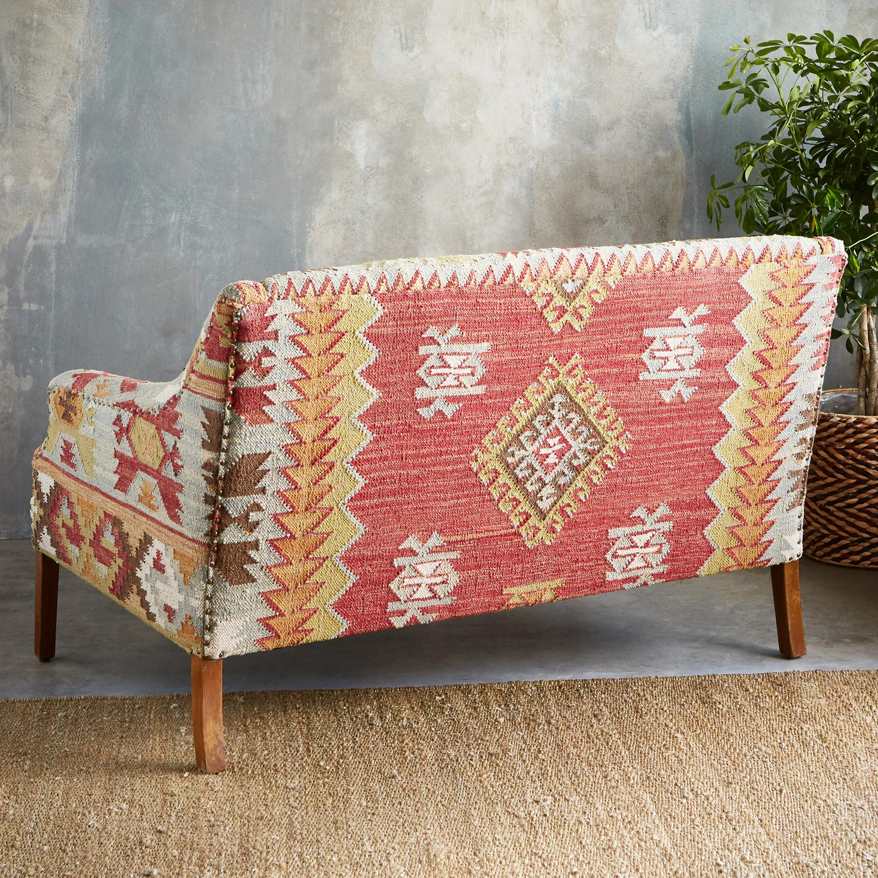 SUMMERHOUSE KILIM LOVESEAT: View 3