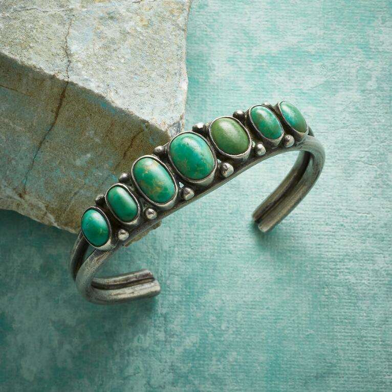 1940S TAPERED TURQUOISE CUFF