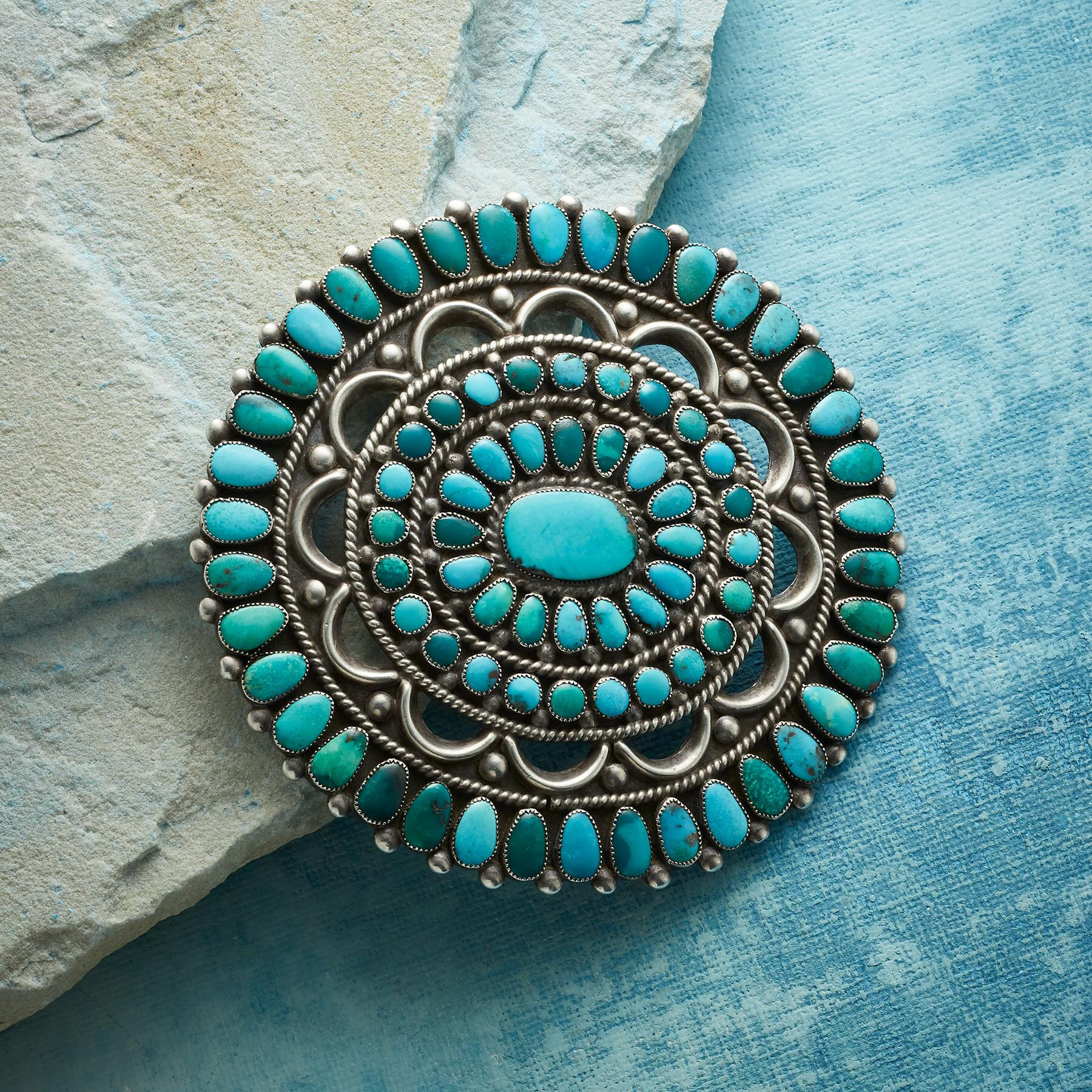 1940S FOX TURQUOISE PIN: View 1