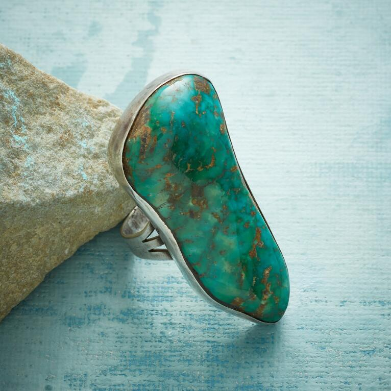 1950S EMERALD VALLEY RING