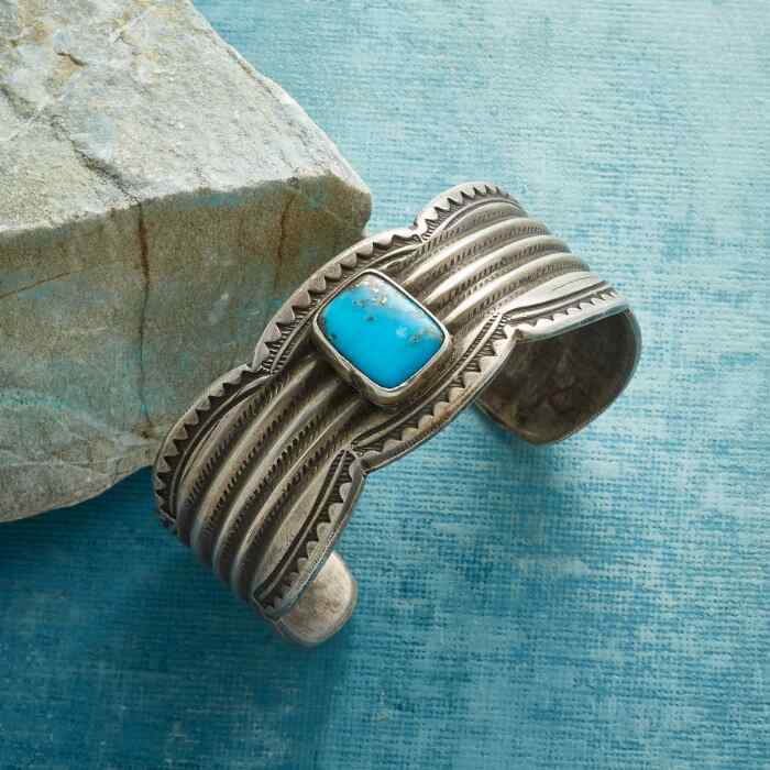 TURQUOISE SCALLOPED CUFF