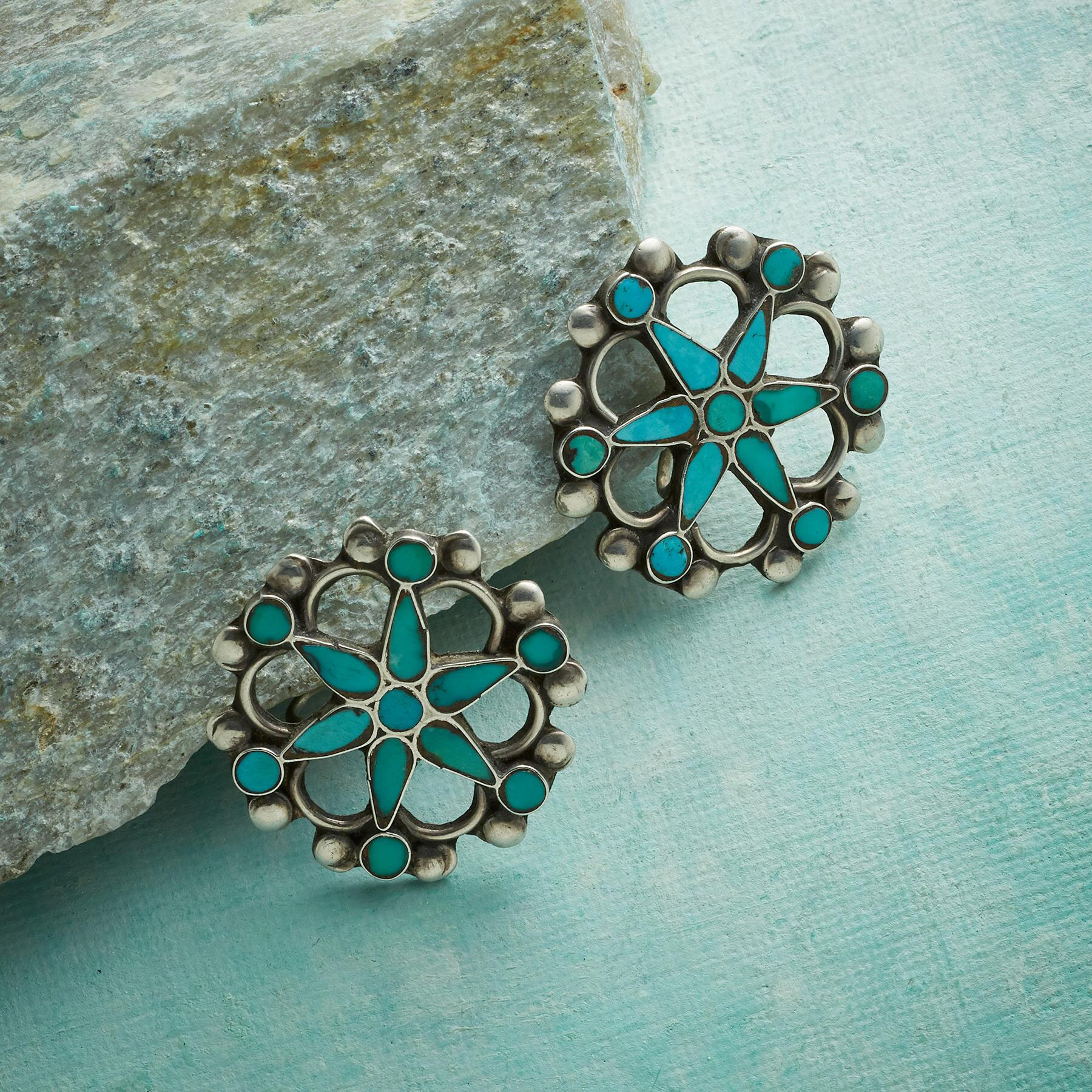 1950S WAGON WHEEL TURQUOISE EARRINGS: View 1