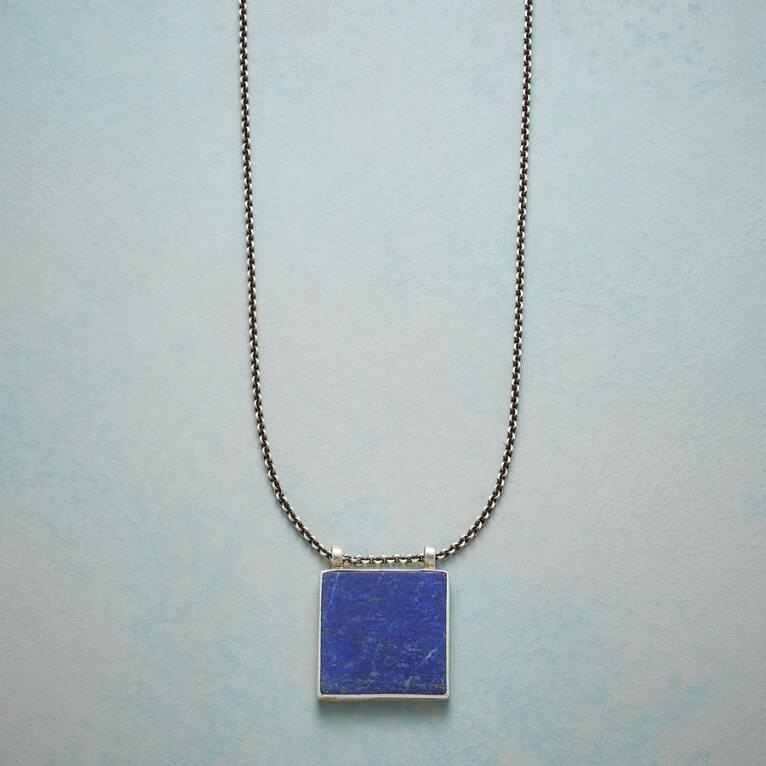 CLEAR NIGHT NECKLACE