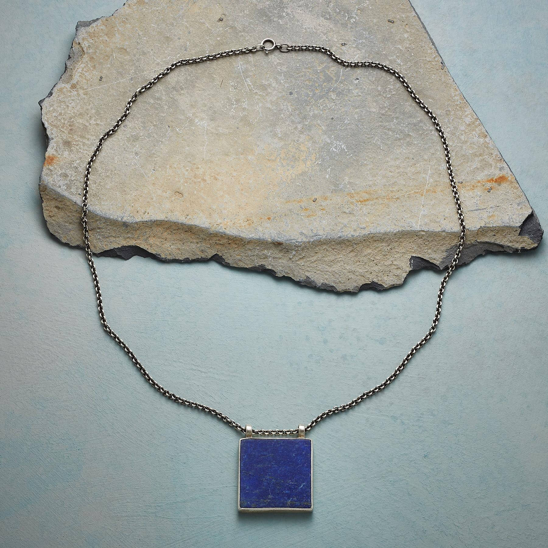 CLEAR NIGHT NECKLACE: View 2