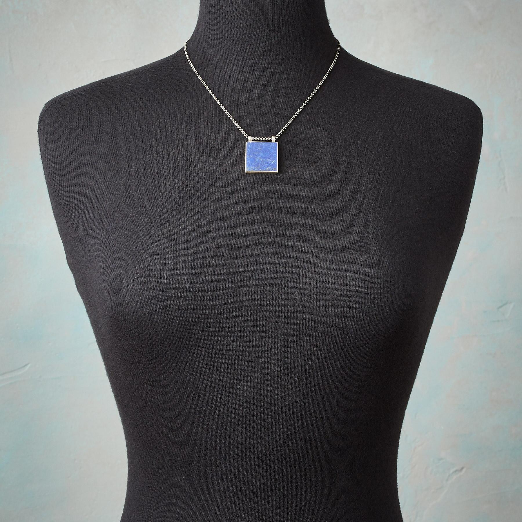 CLEAR NIGHT NECKLACE: View 3