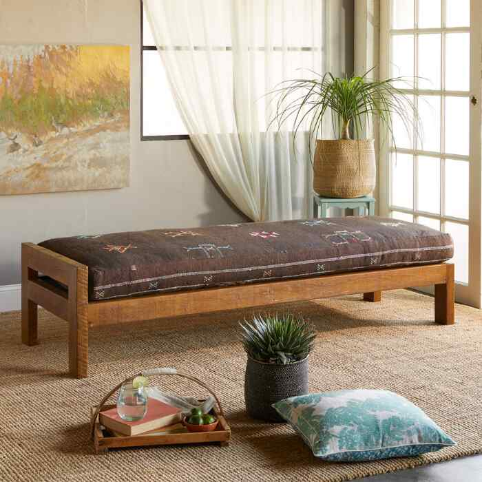 FNIDEQ MOROCCAN DAY BED