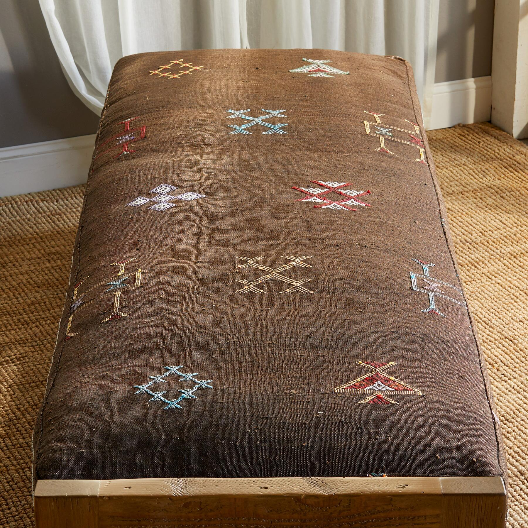 FNIDEQ MOROCCAN DAY BED: View 2