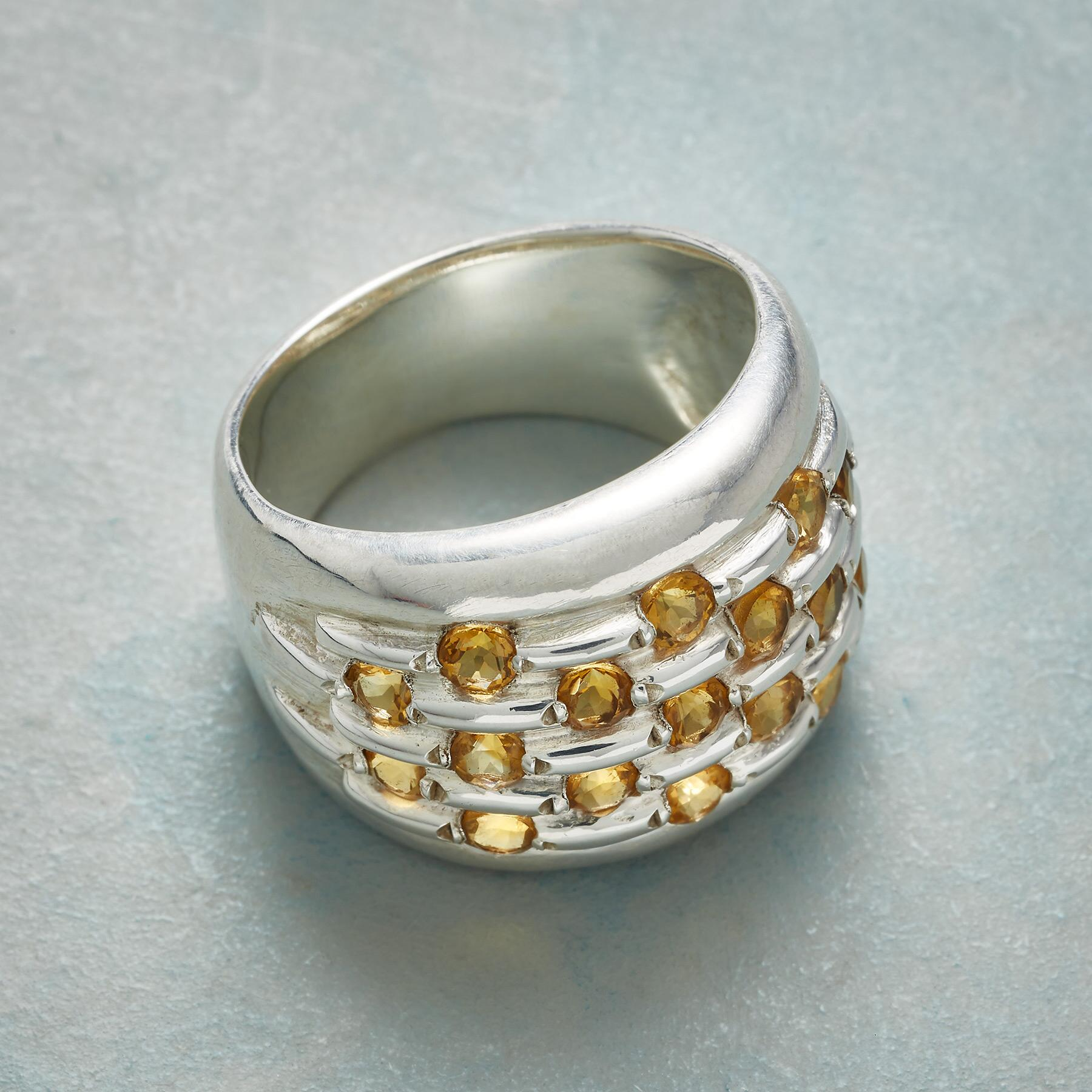 MANY CITRINES RING: View 2