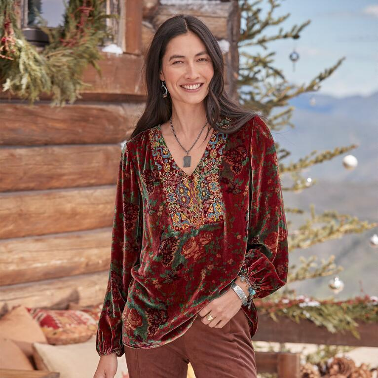 EMBROIDERED JOURNEY TOP