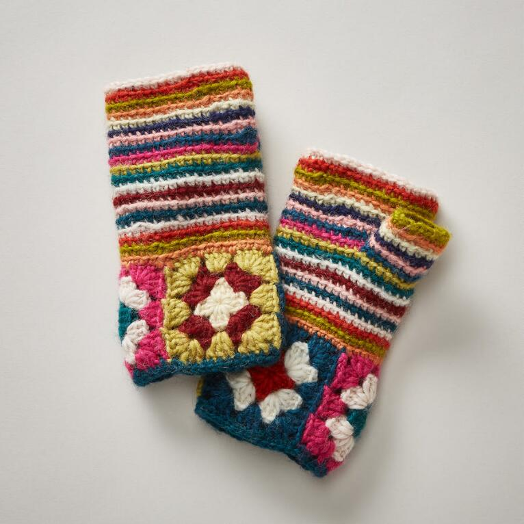 KNITTING CIRCLE HANDWARMERS