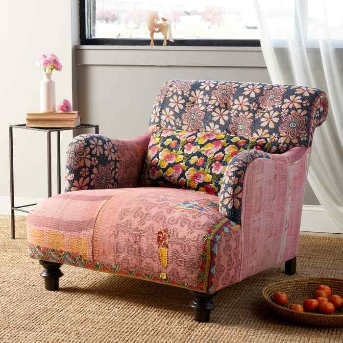 Harini Sari Club Chair