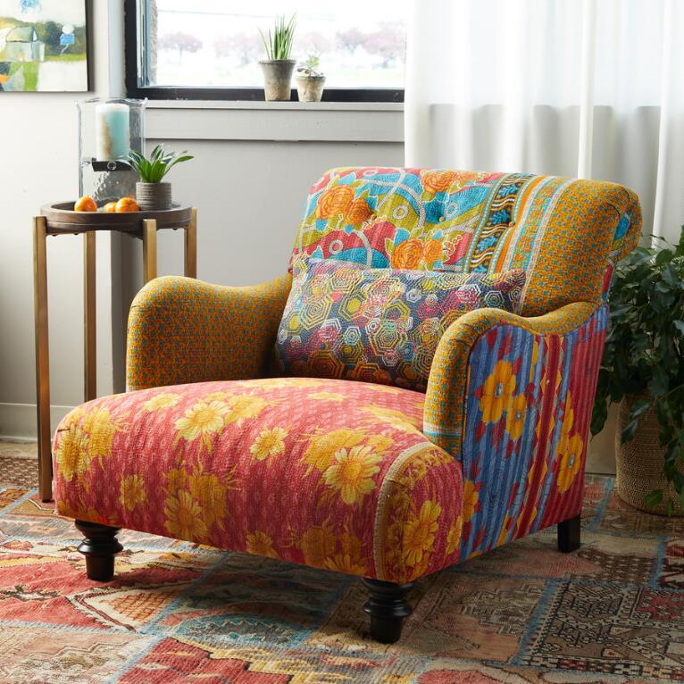 Iniya Sari Club Chair