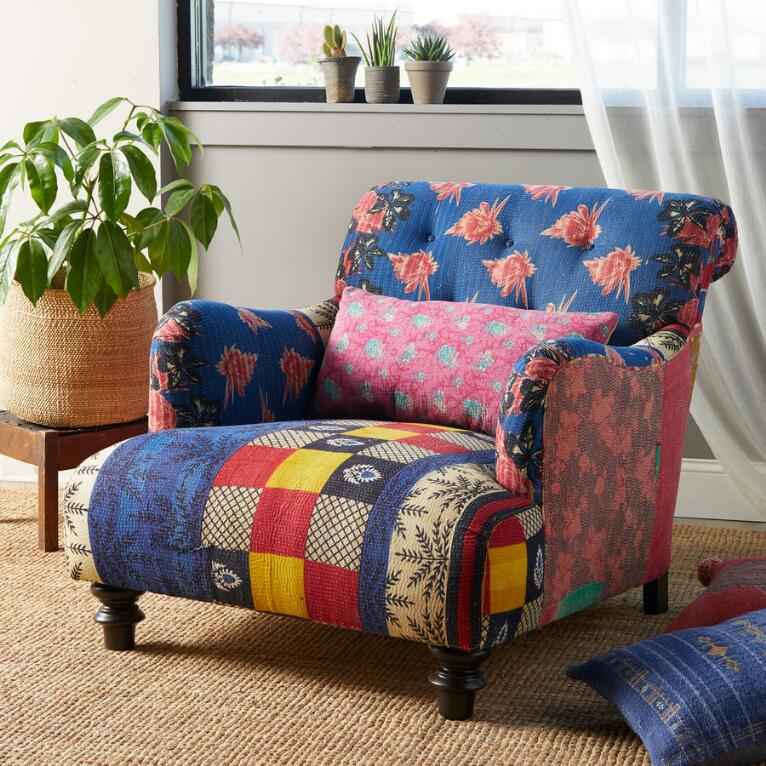 Yamini Sari Club Chair