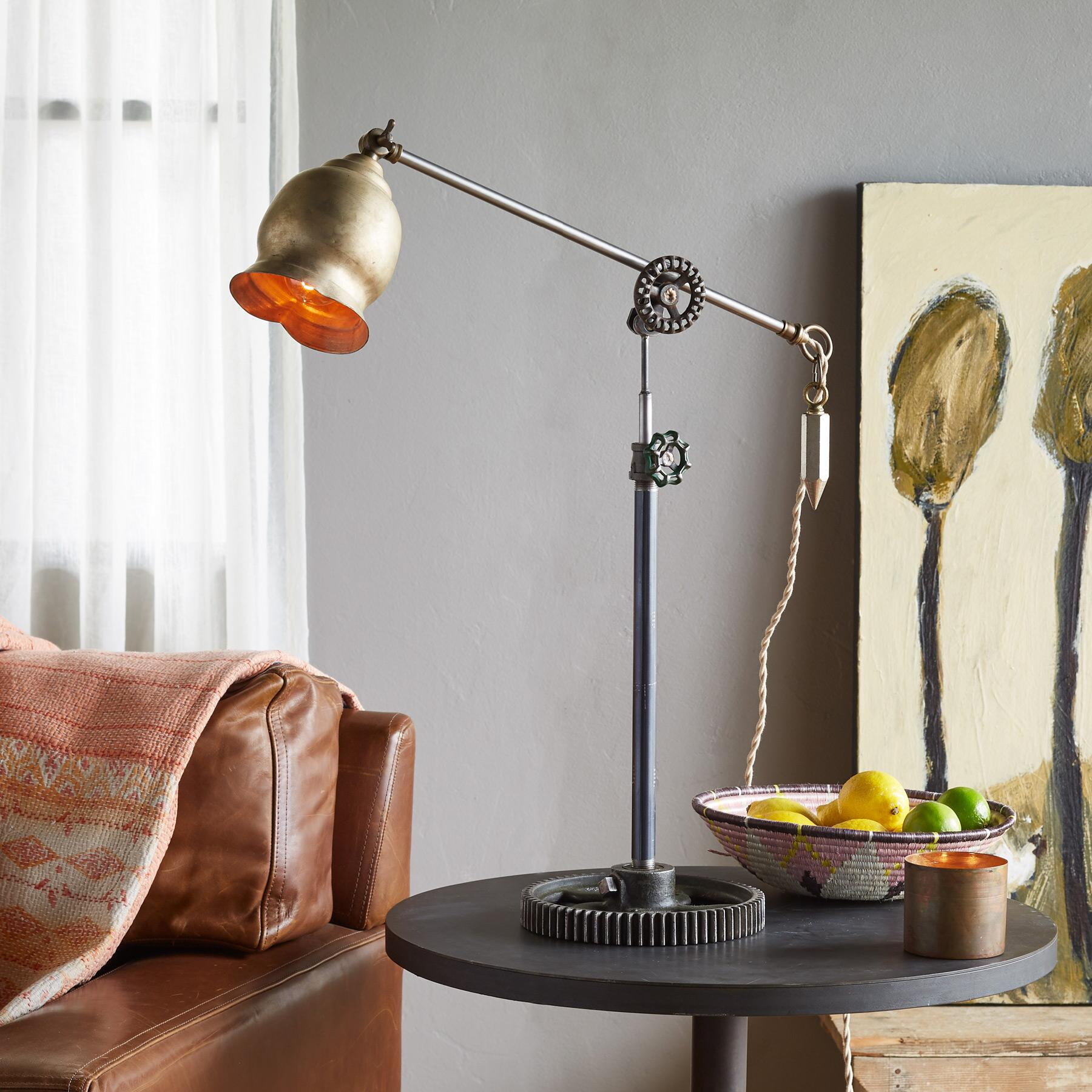 KELLER TABLE LAMP: View 1