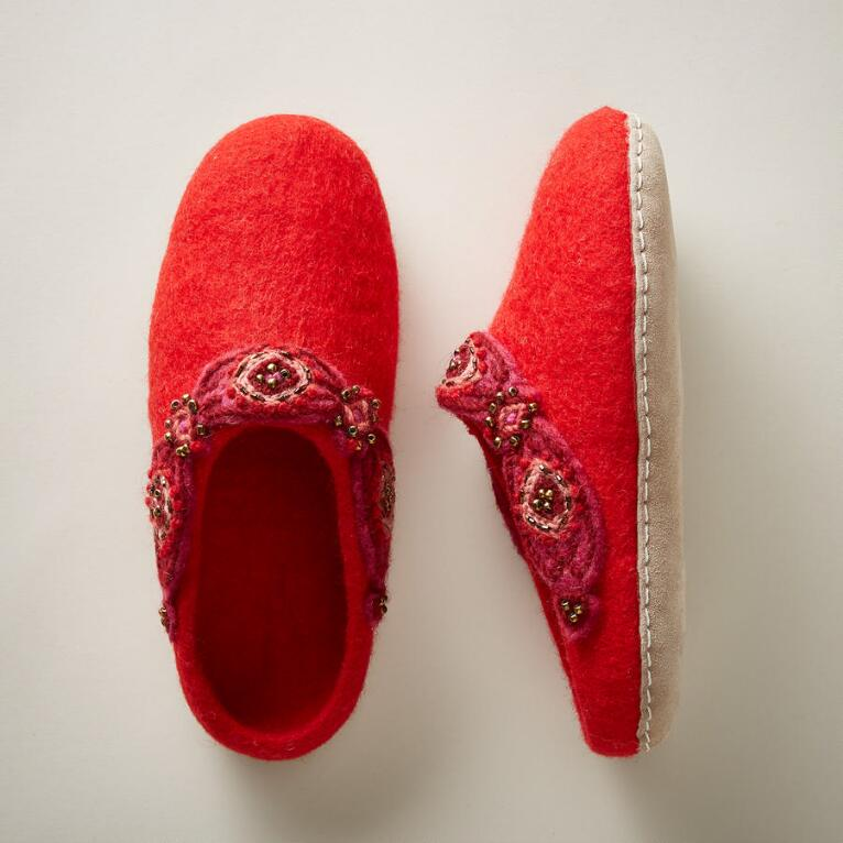 WINTER WARMTH SLIPPERS
