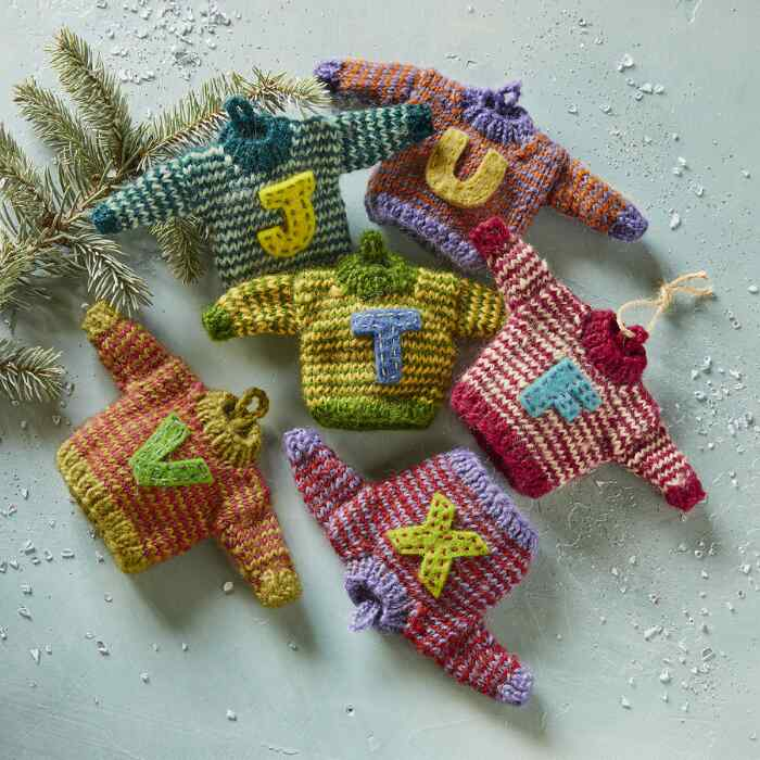 STRIPED LETTER SWEATER ORNAMENTS