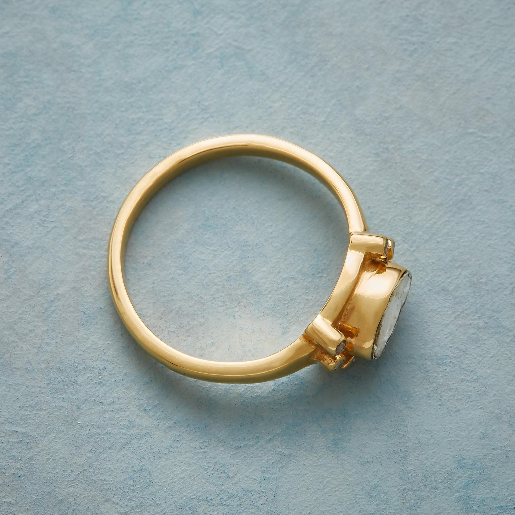 DEBUT DIAMOND RING: View 2