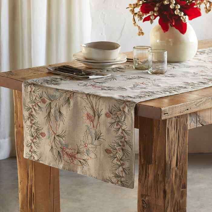 FORAGE TABLE RUNNER