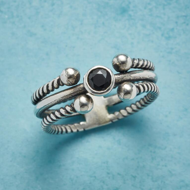 TRIPLE BAND ONYX RING