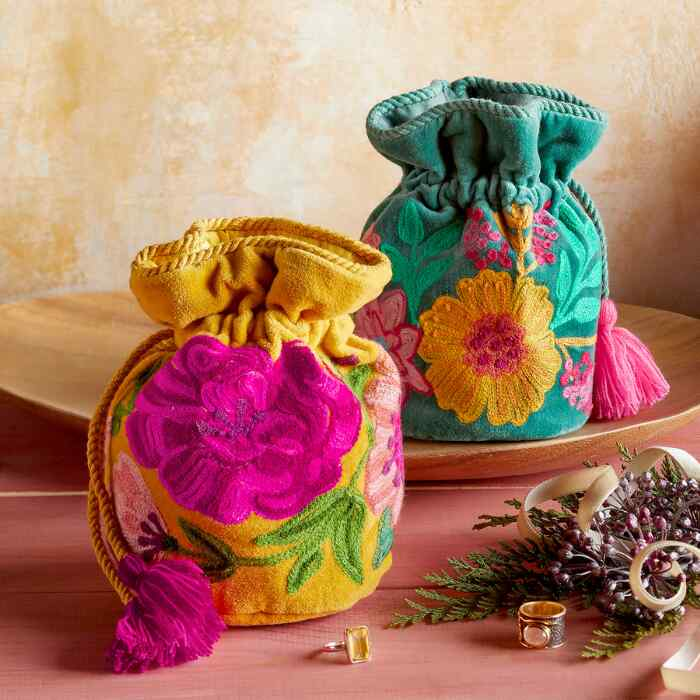 EMBROIDERED VELVET JEWELRY POUCH