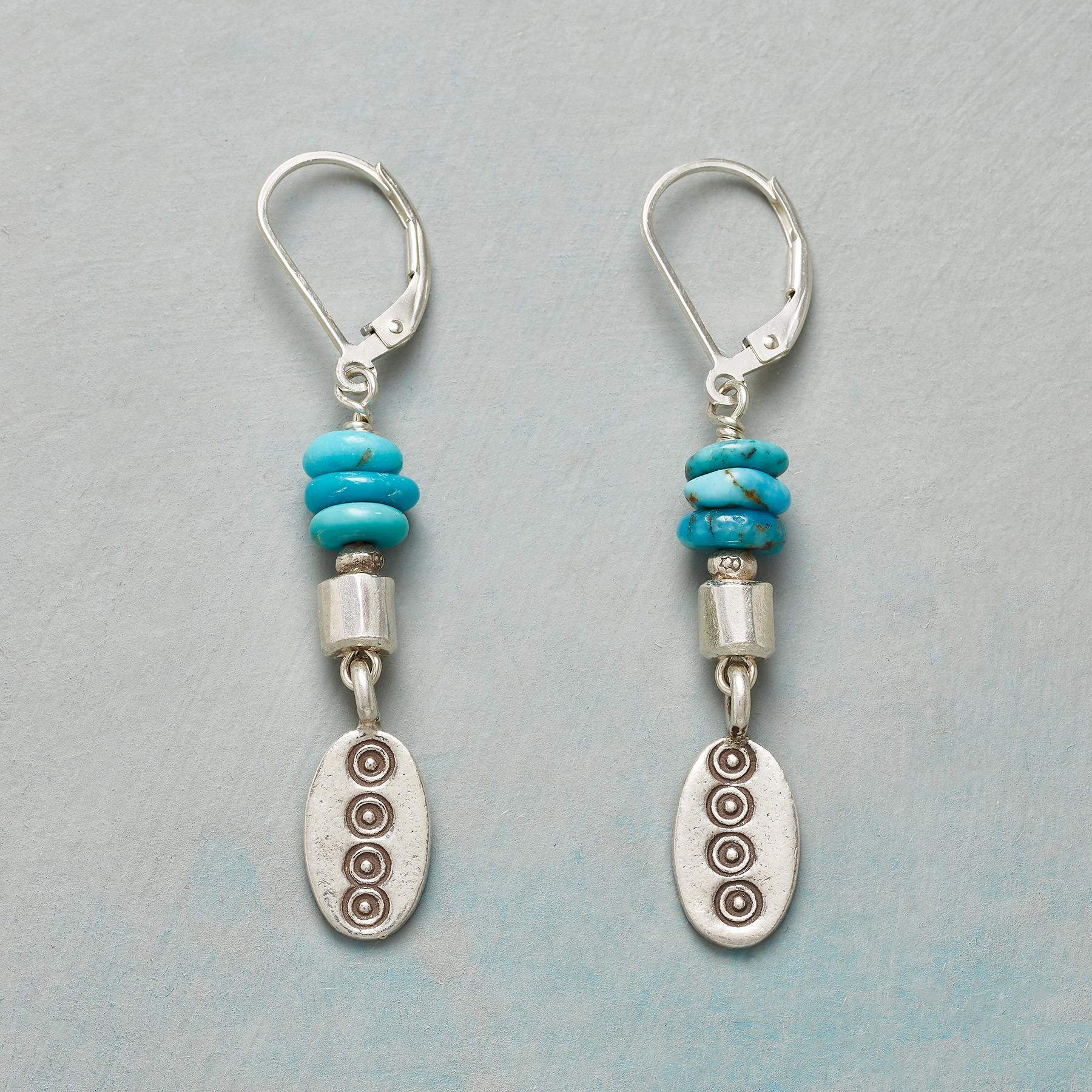 SKIPPING STONE EARRINGS: View 1
