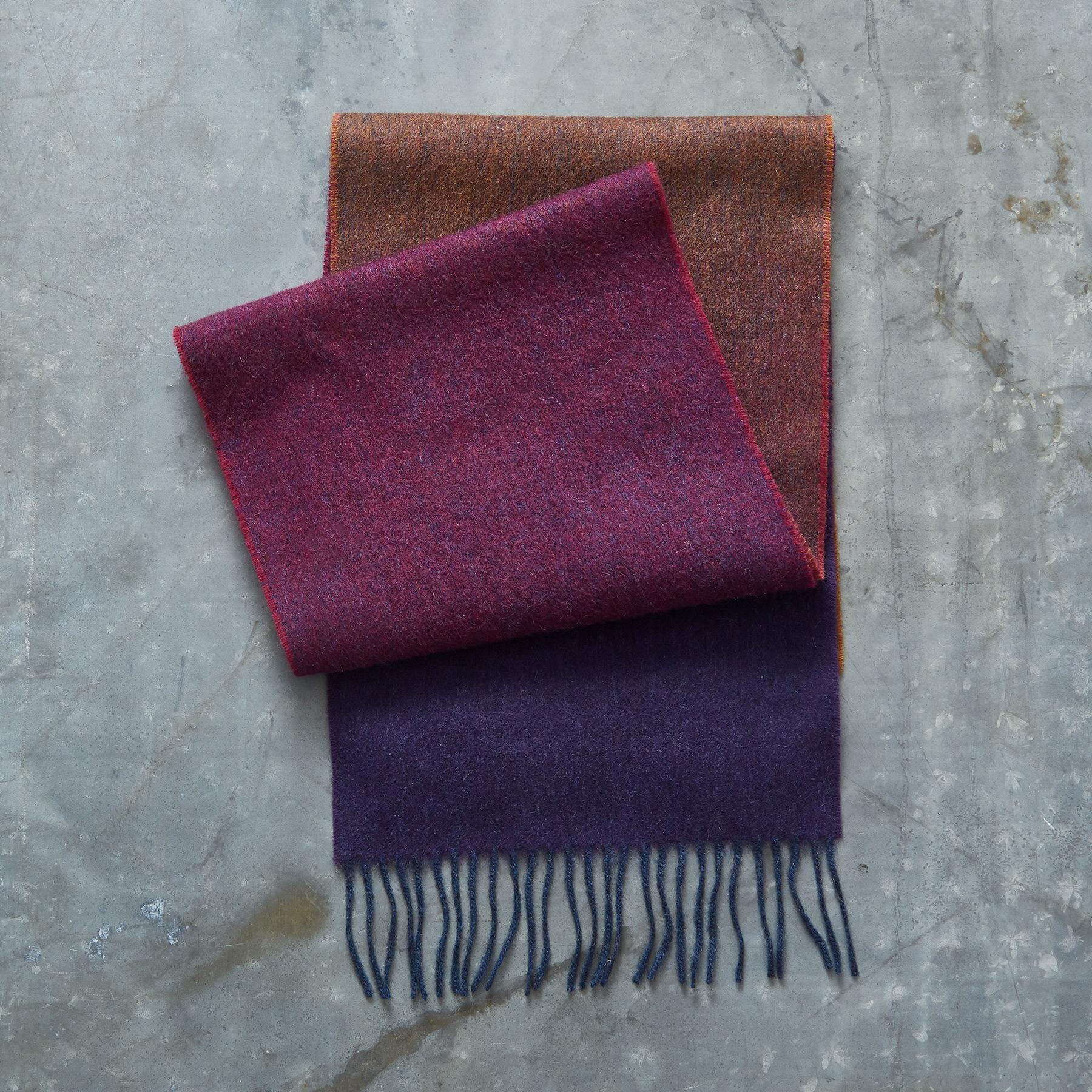GRADIENT SCARF: View 2