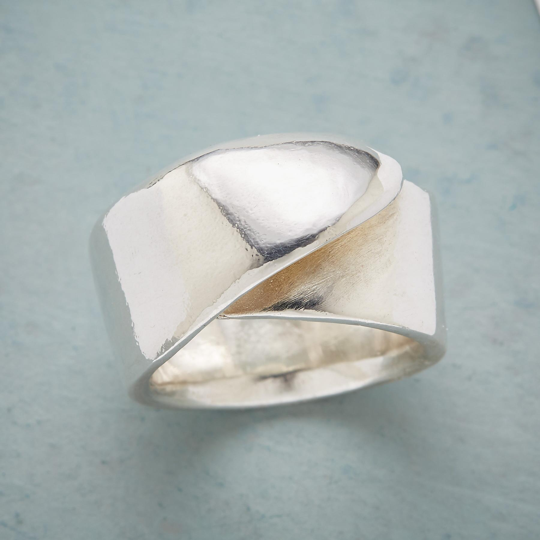 FOLDOVER RING: View 1