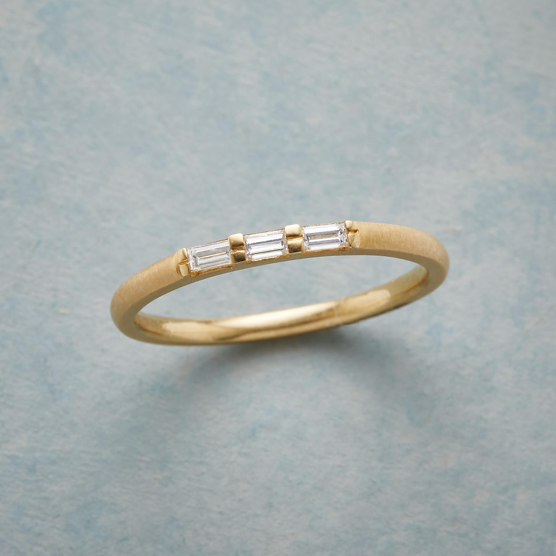 THREE DIAMOND RING: View 1