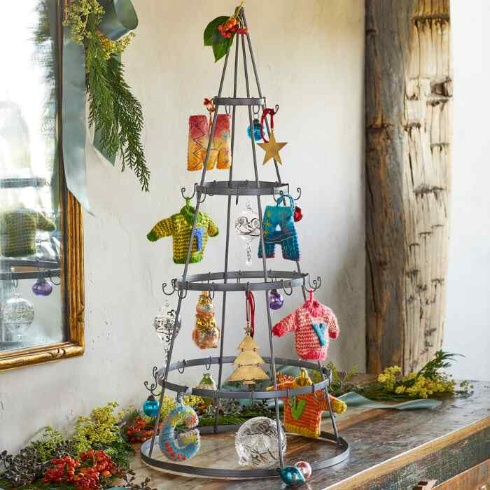 EARTH DAY ORNAMENT TREE
