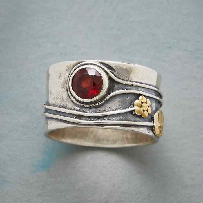 SWEETBRIER GARNET RING