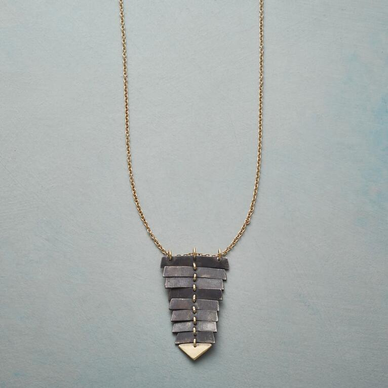 MOVIMENTO NECKLACE