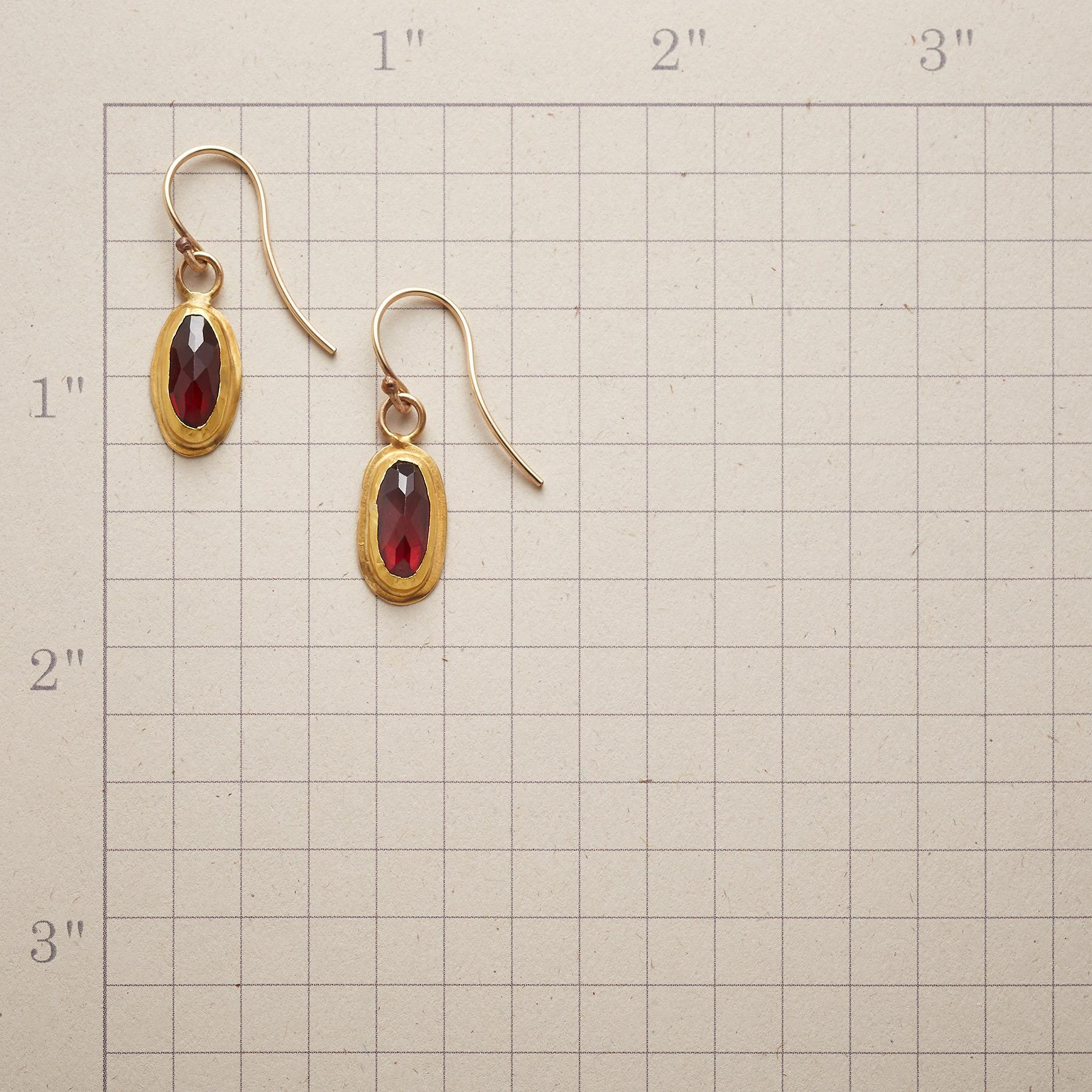 SCARLET LUXE EARRINGS: View 2