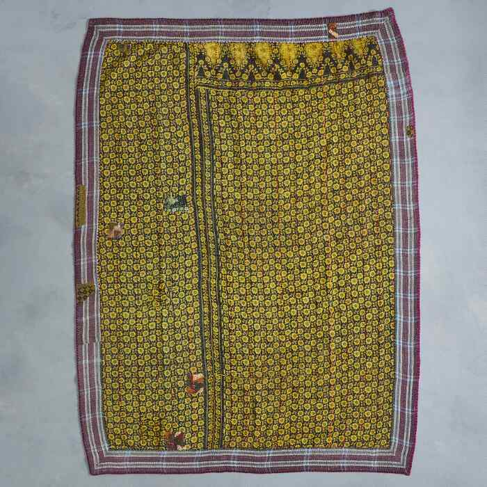 CHAAYA SARI THROW