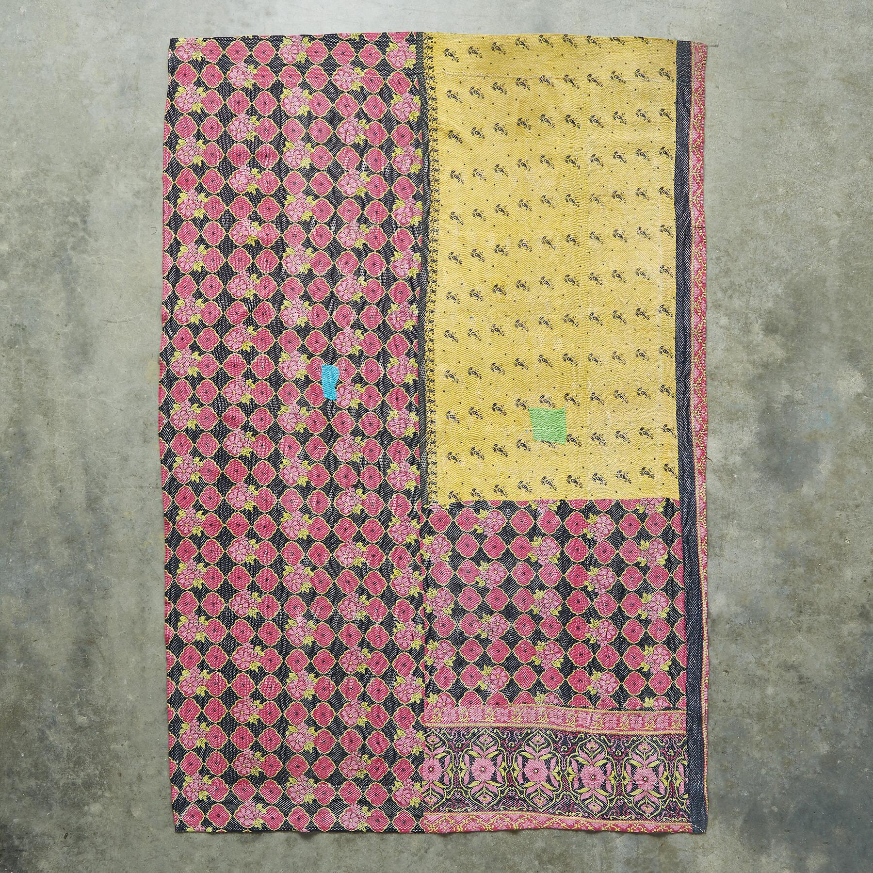 ROHAN SARI THROW: View 2
