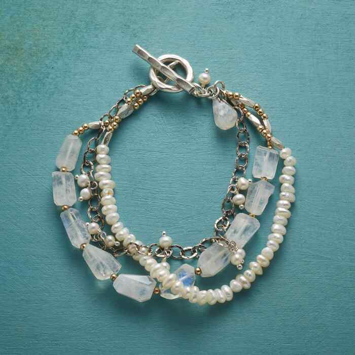 MOONLIT MEMORIES BRACELET