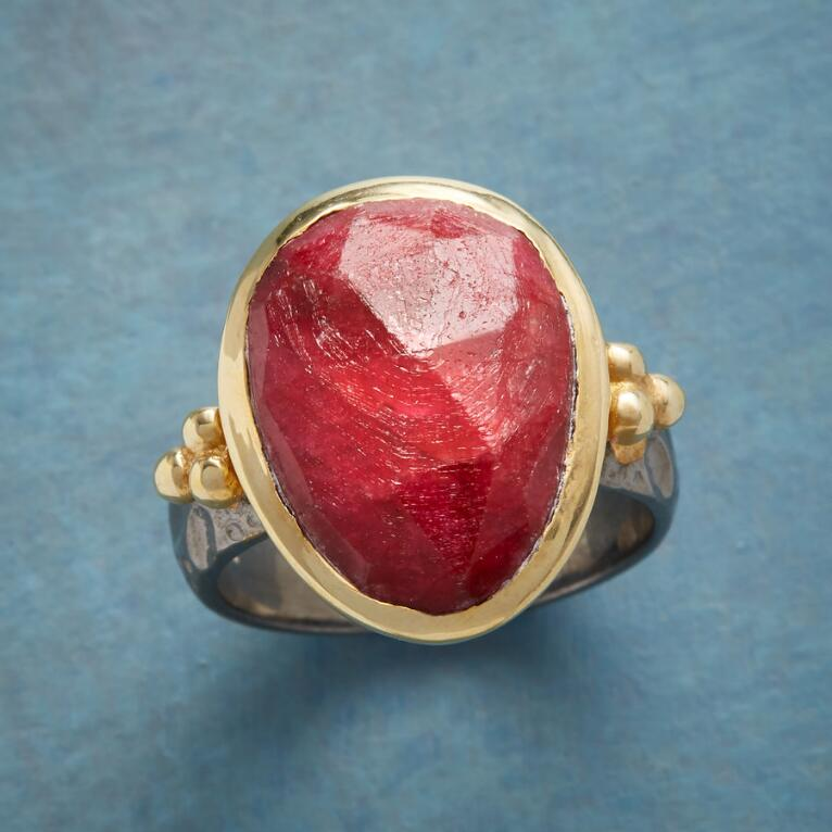FAMILY TRADITION RING