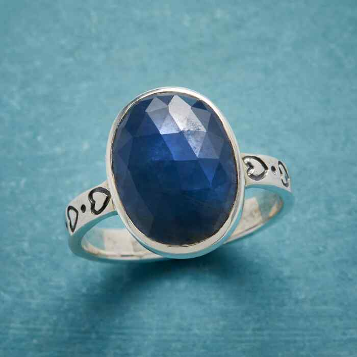 LOYAL HEART RING