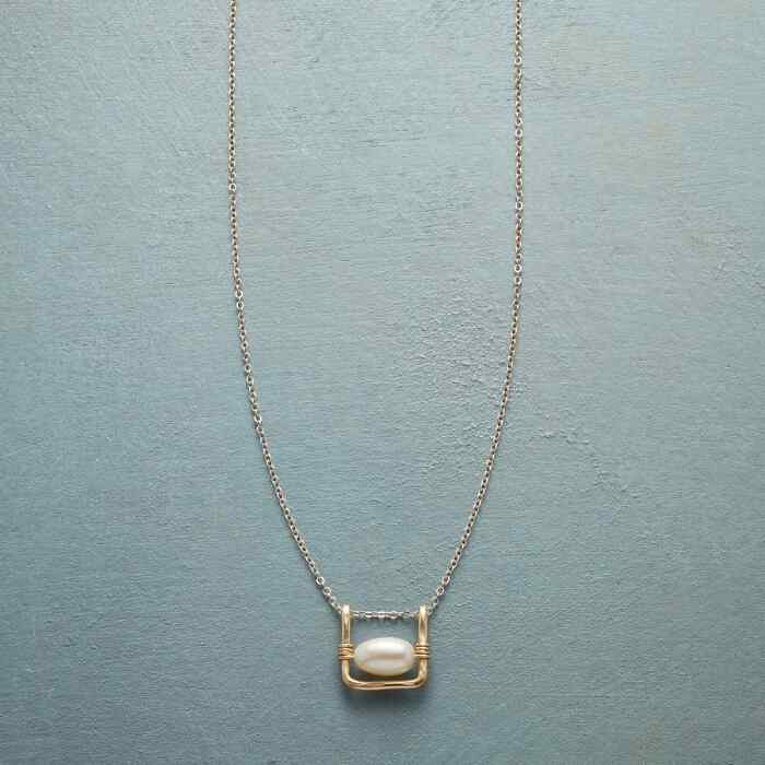 PEARL SWING NECKLACE