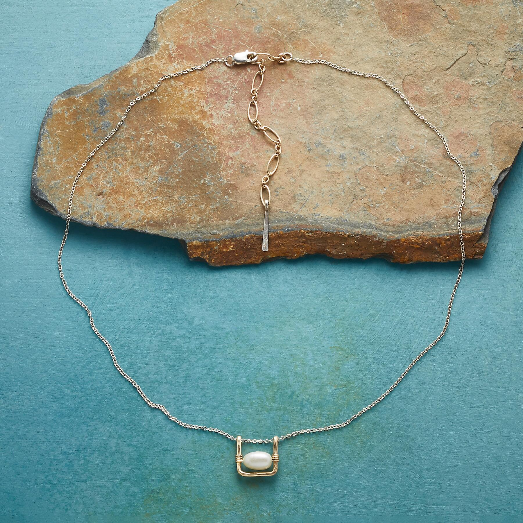 PEARL SWING NECKLACE: View 2