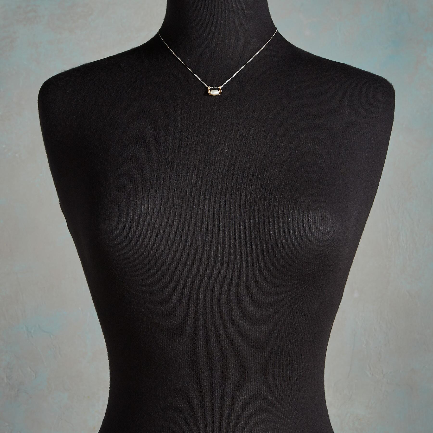 PEARL SWING NECKLACE: View 4