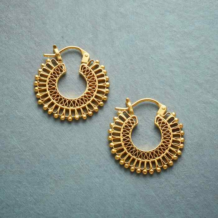 LACE AURA HOOP EARRINGS
