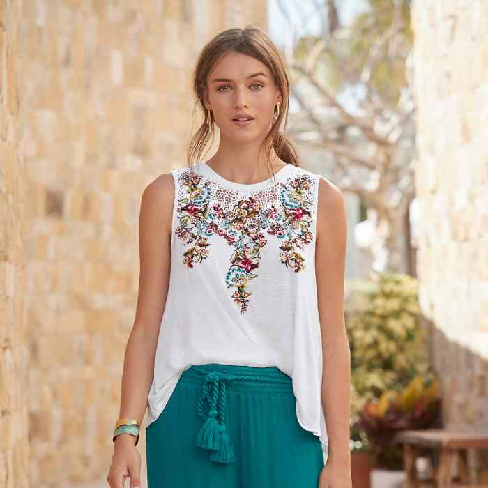 TRAVELING VINES TOP