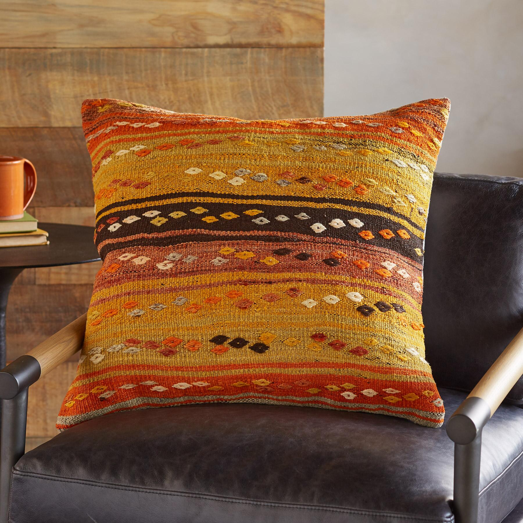 SOLEINE ONE-OF-A-KIND KILIM PILLOWS: View 3