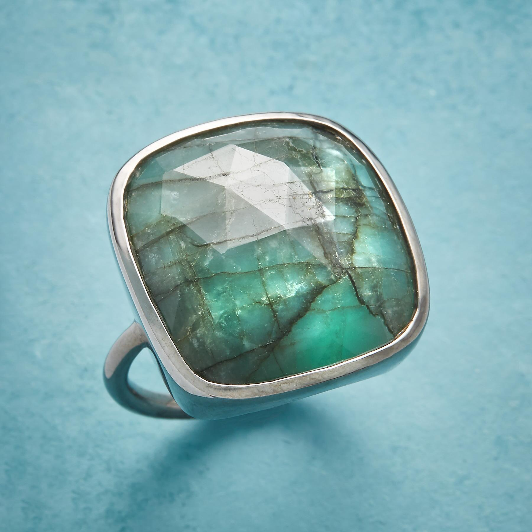 EARTHY EMERALD RING: View 1