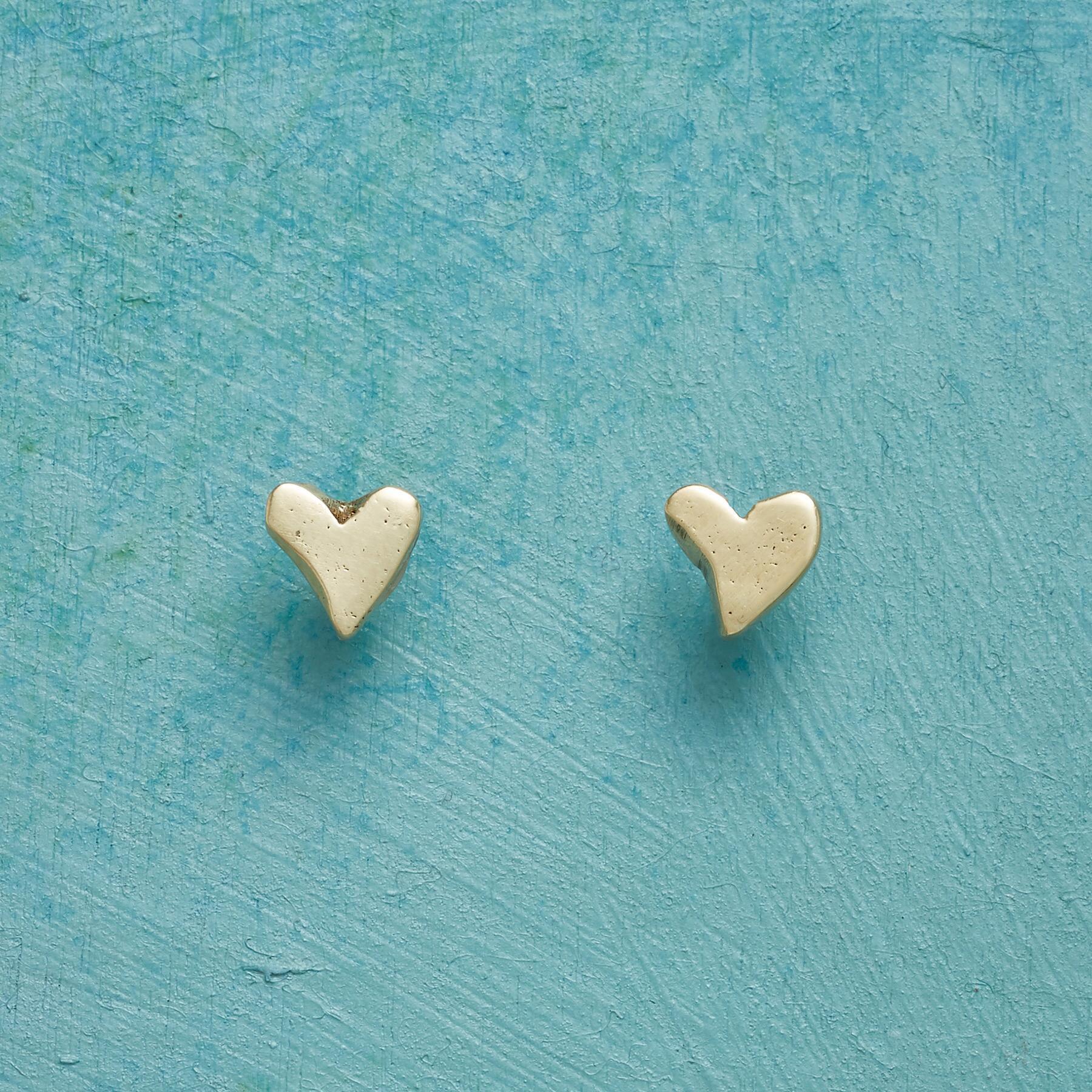YELLOW GOLD PRECIOUS LOVE EARRINGS: View 1