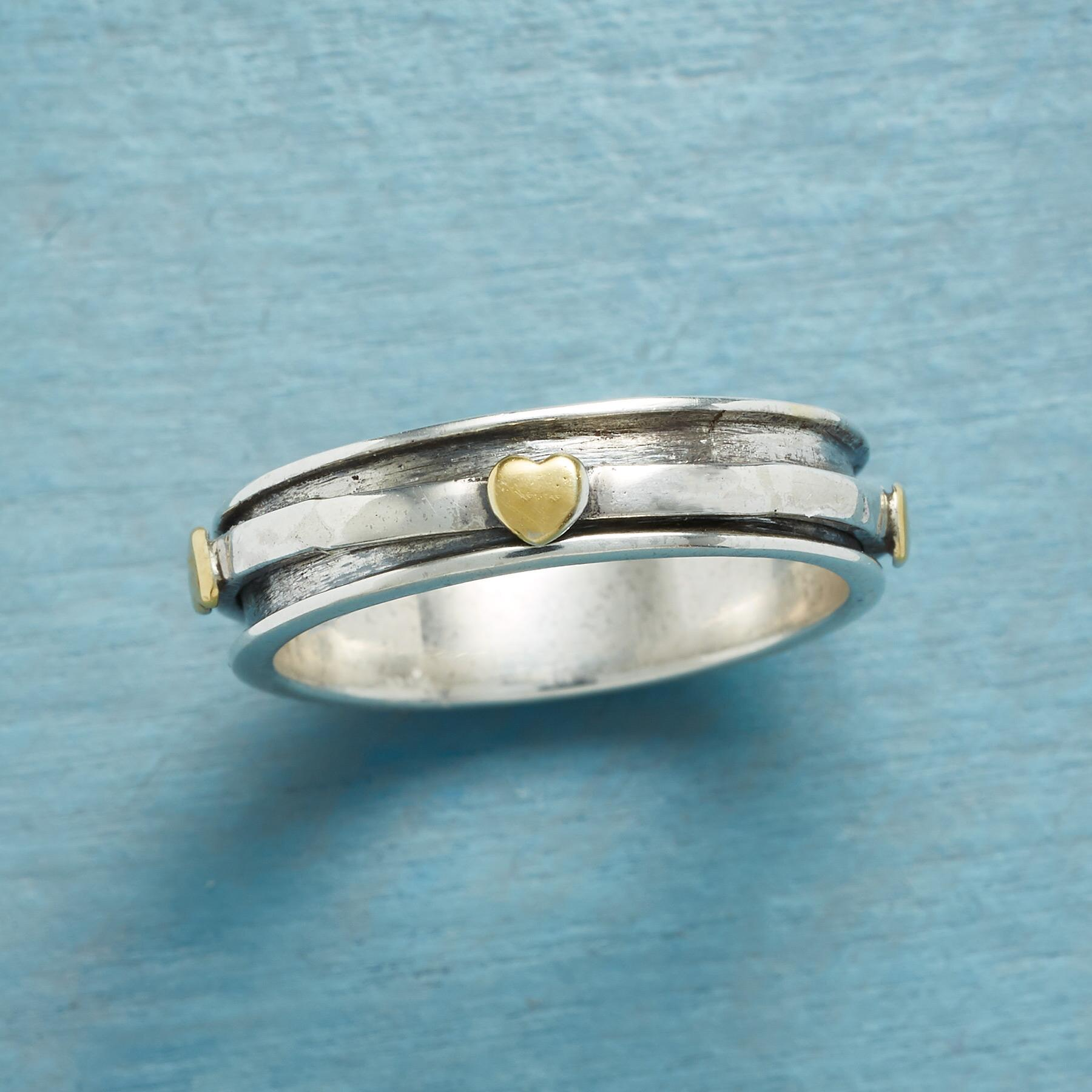 GOLDEN HEARTS RING: View 1