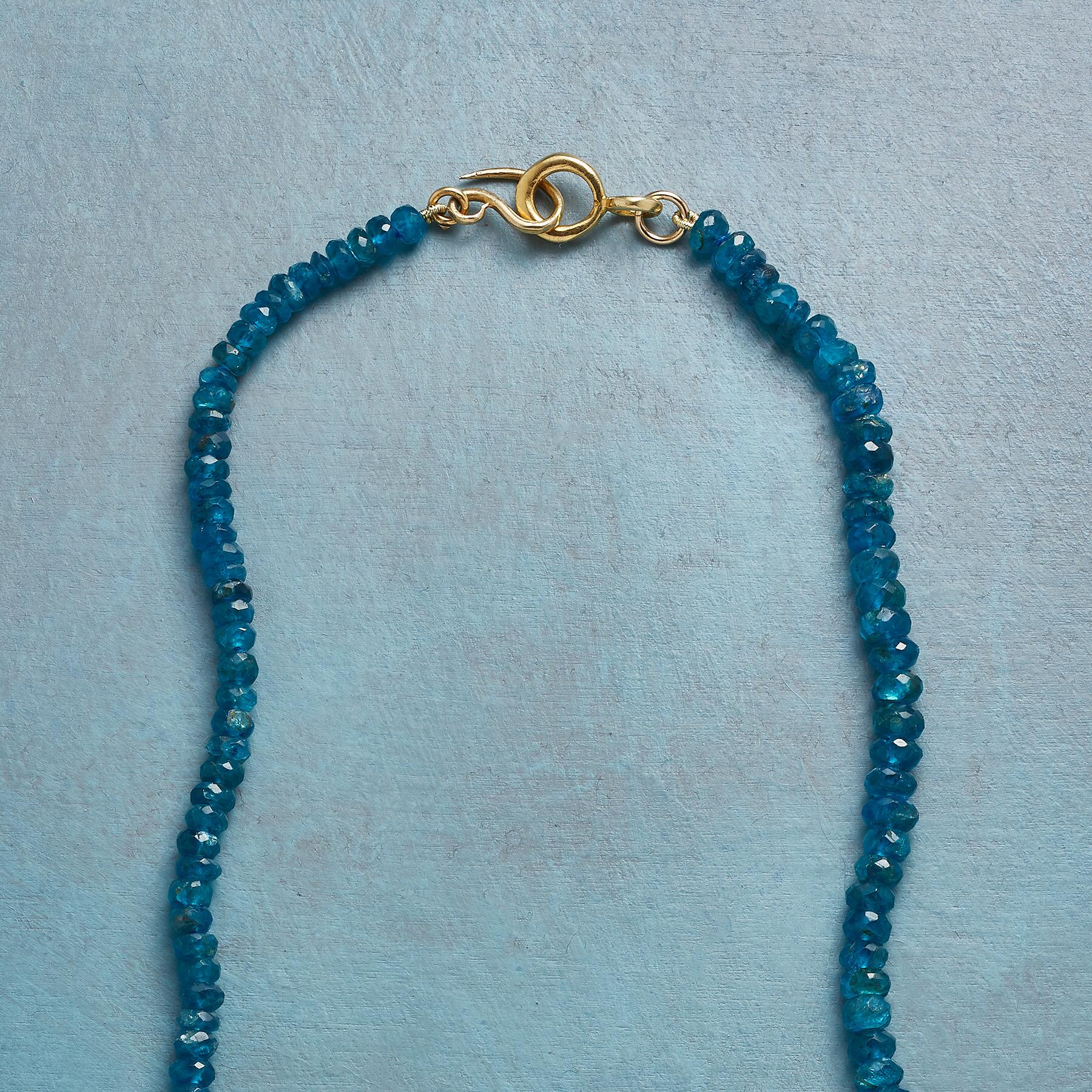SAPPHIRE KEYNOTE NECKLACE: View 3