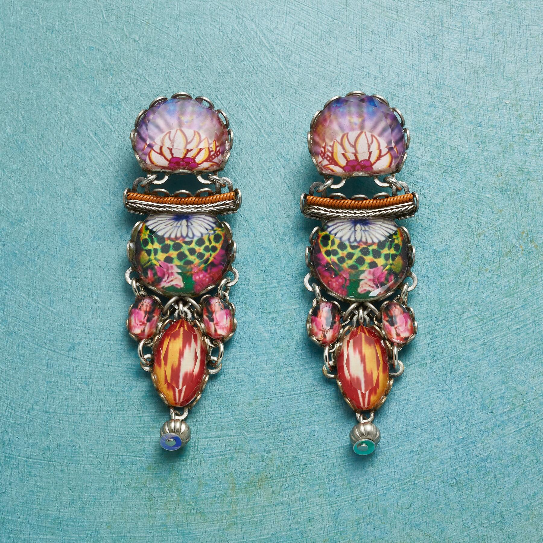 CANCAN EARRINGS: View 1