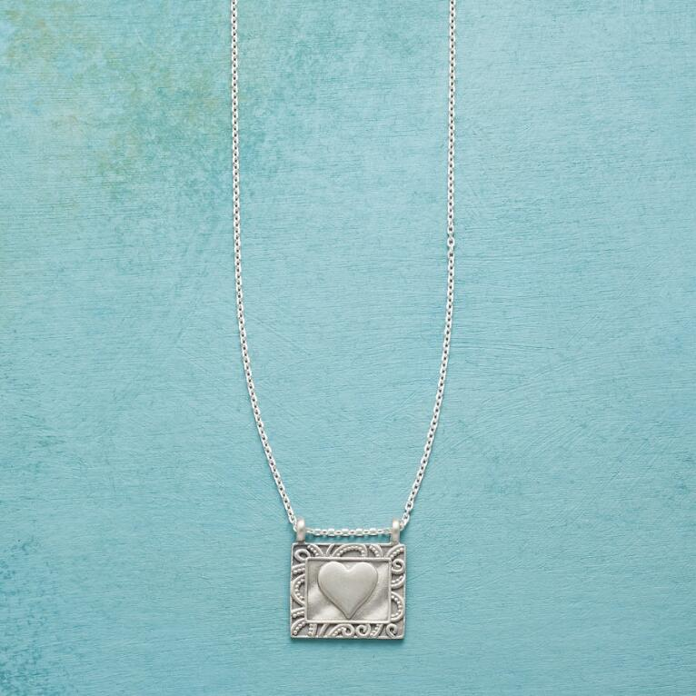 PICTURE OF LOVE NECKLACE