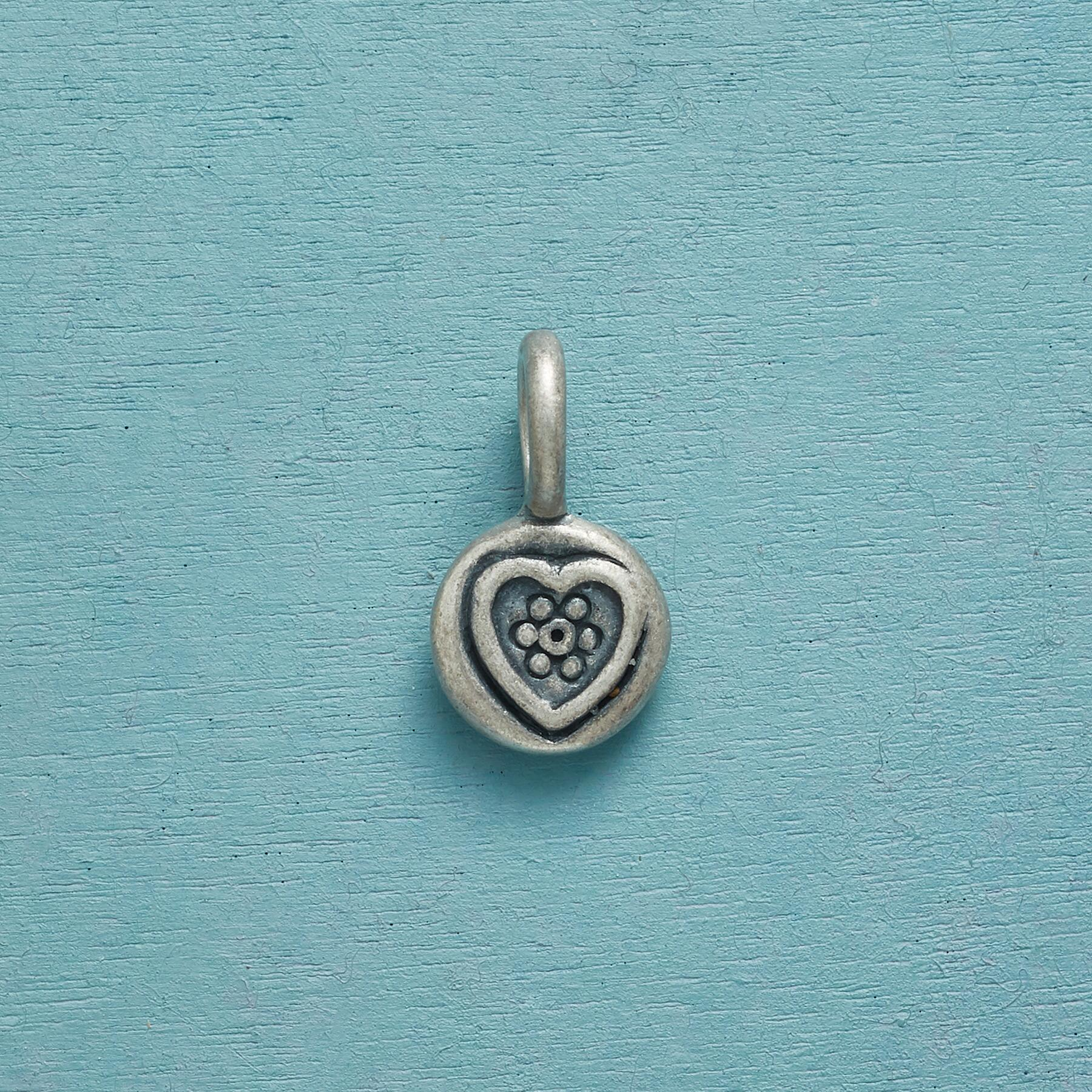 LOVE FOREVER HEART CHARM: View 1